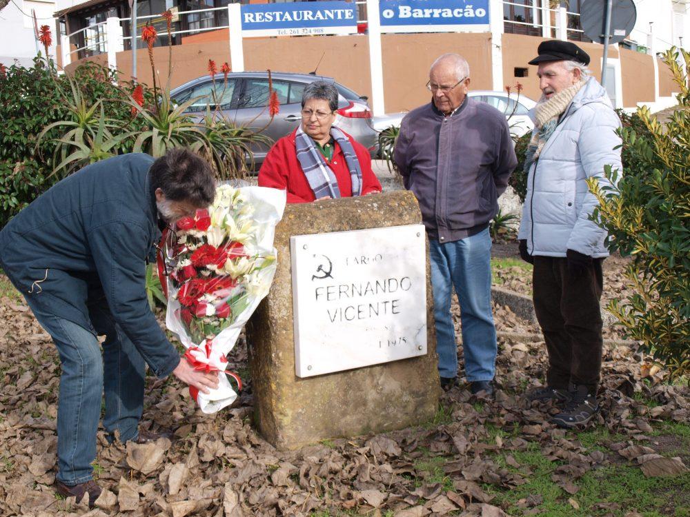 Fernando Vicente homenageado por militantes do PCP