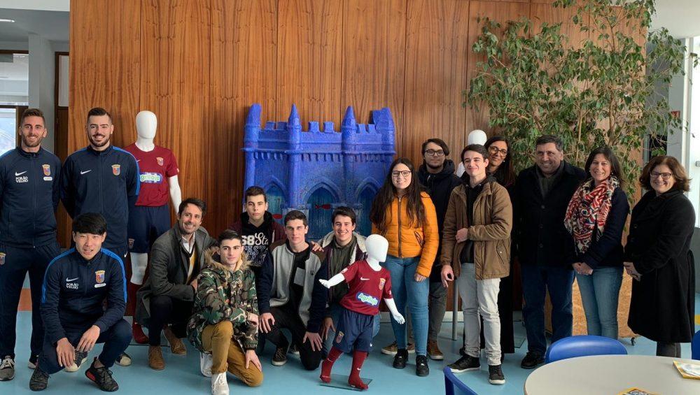 """Peça solidária """"Chafariz em Azul"""" continua a percorrer as escolas do concelho"""