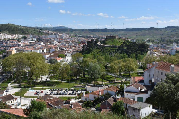 Câmara de Torres Vedras aceita maioria das competências a descentralizar pelo Estado