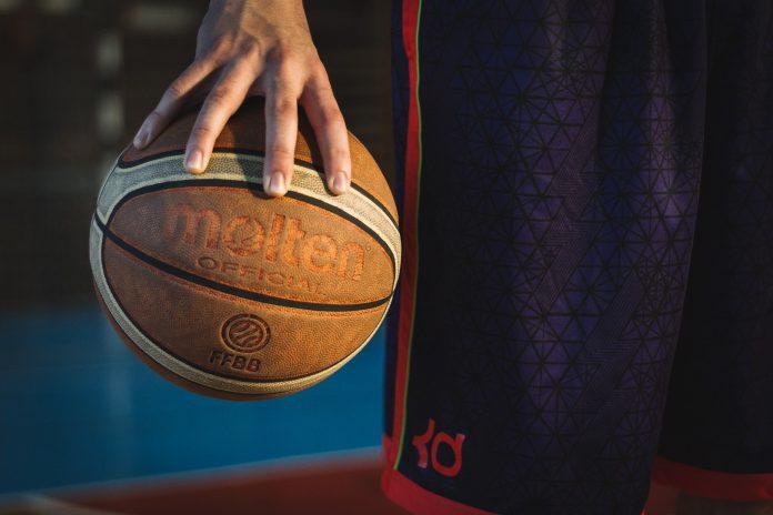 Resultados dos jogos de hóquei e basquetebol da Física da passada semana