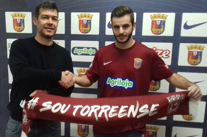 Futsal do Torreense com novo reforço