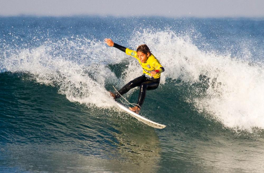 Gustavo Viana participa em competição que junta melhores surfistas europeus sub-13