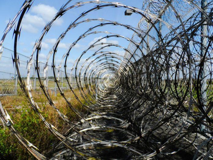 Quatro detidos por roubos, furtos e tráfico de droga no distrito de Leiria