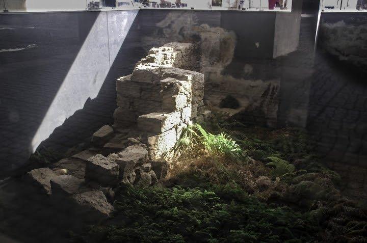 Fração de prédio com troço da muralha medieval vai ser adquirida pela Autarquia