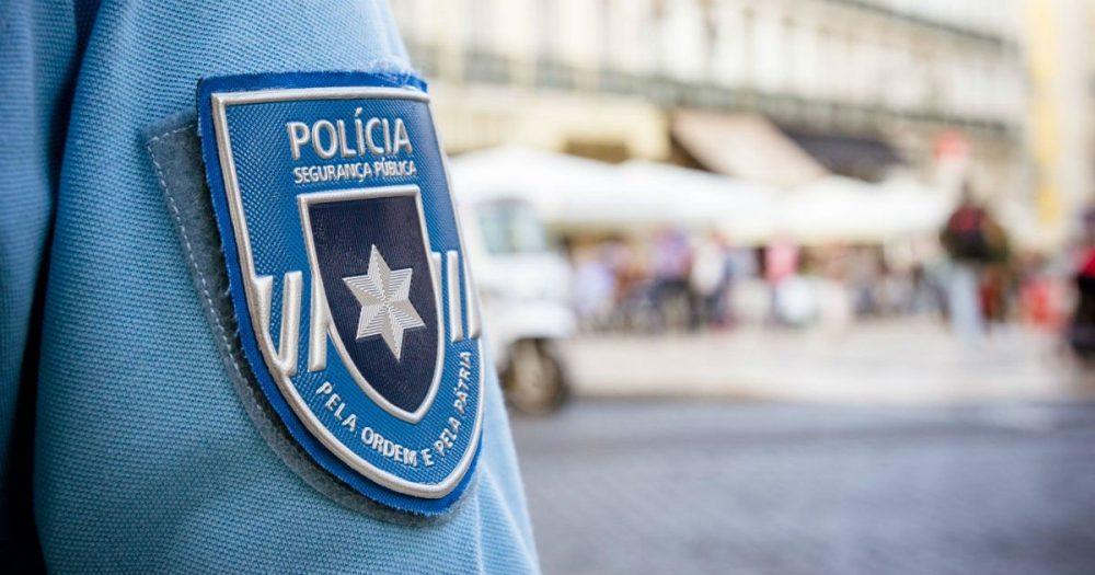 Dois homens detidos por furto qualificado em estabelecimento