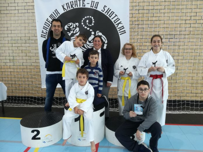 Alunos do Clube de Karate Shodai de Torres Vedras chegam ao pódio no Open de Karate da Lourinhã