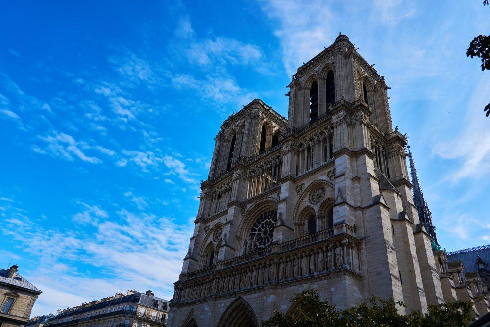 Torres Vedras propõe fundo para apoiar reconstrução da Catedral de Notre-Dame