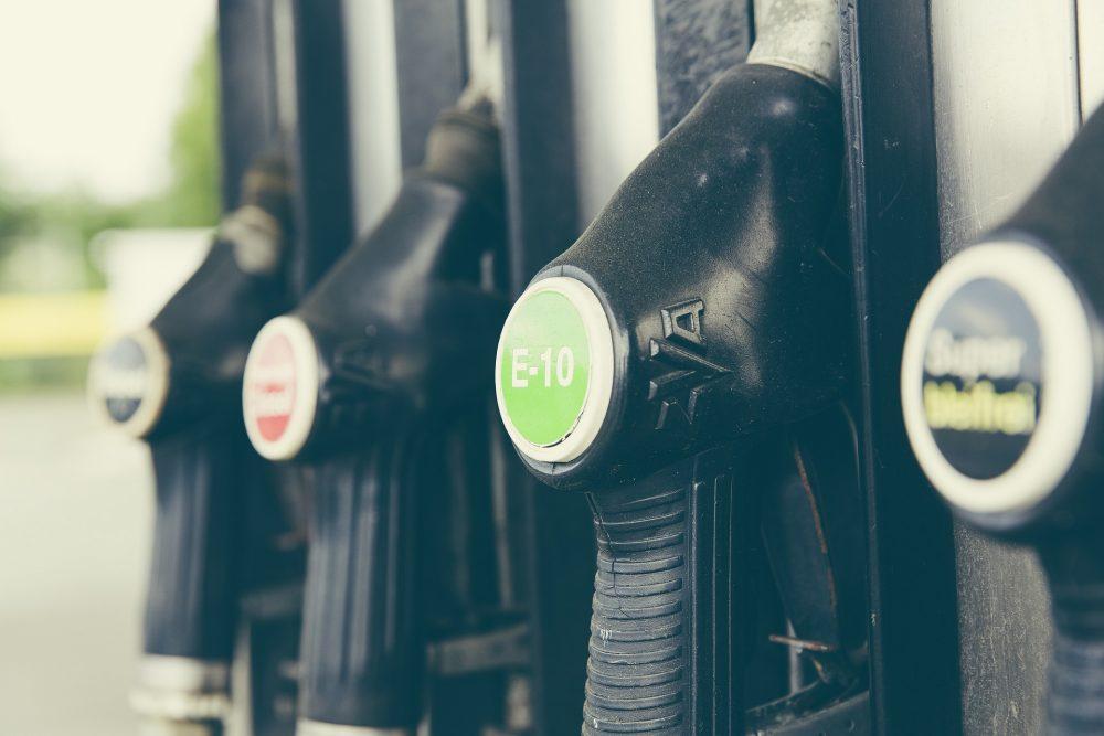 Combustíveis: Rodoviária do Oeste reduz serviços ao mínimo para assegurar transporte escolar
