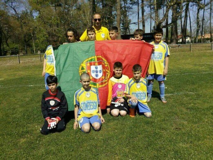 'ASSIM' levou equipa juvenil de futebol 7 da Ventosa a França
