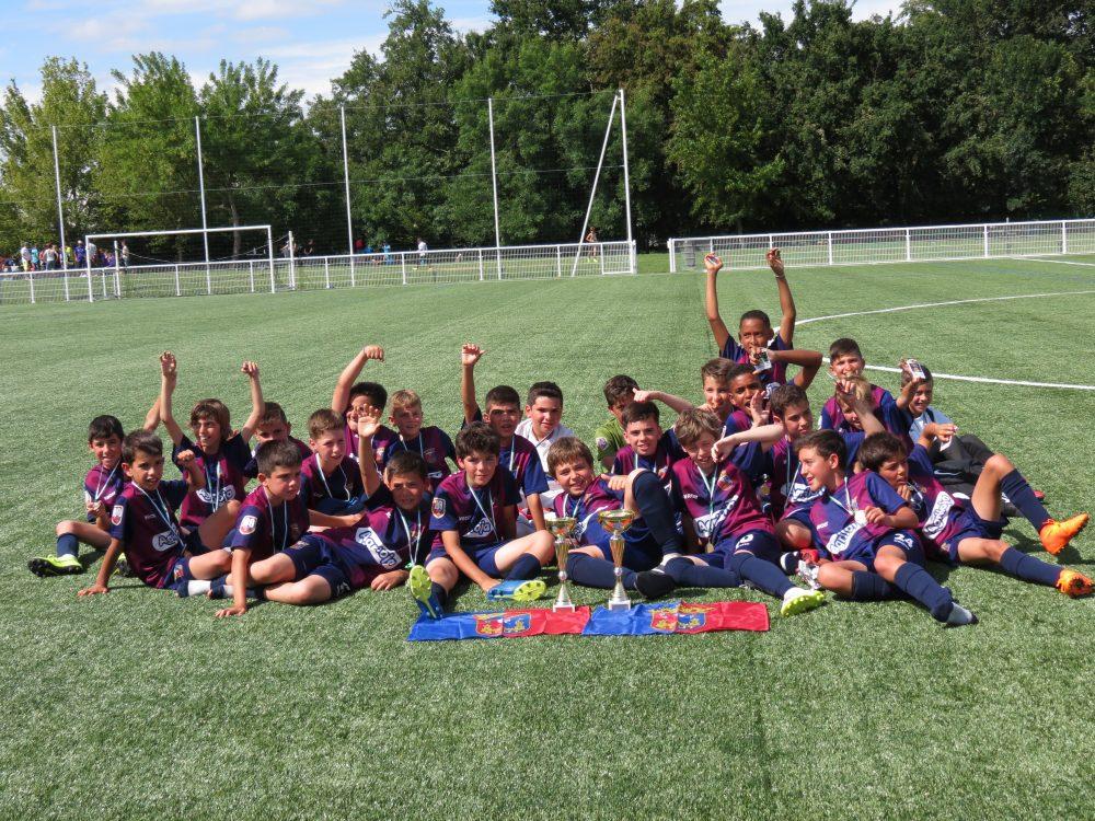 Benjamins do Torreense participaram no Torneio JSA/CPA Cup em França
