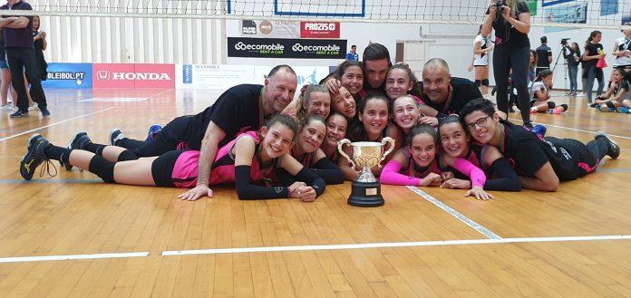 Equipa de Infantis de voleibol da Madeira Torres sagra-se Campeã Nacional
