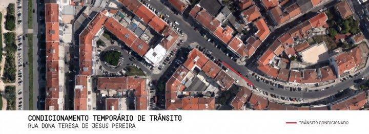 Condicionamento de trânsito na Rua Teresa de Jesus Pereira