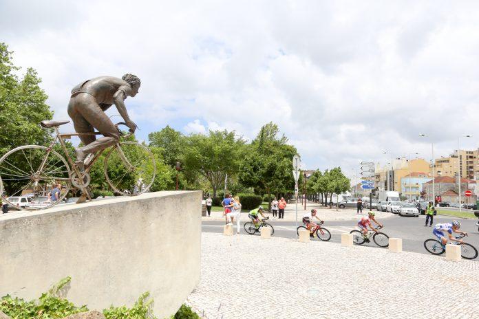 Joaquim Agostinho homenageado na estrada