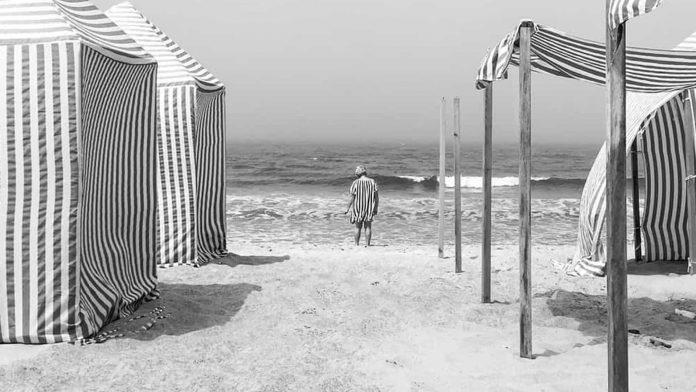 Conhece esta fotografia da praia de Santa Rita, em Torres Vedras?