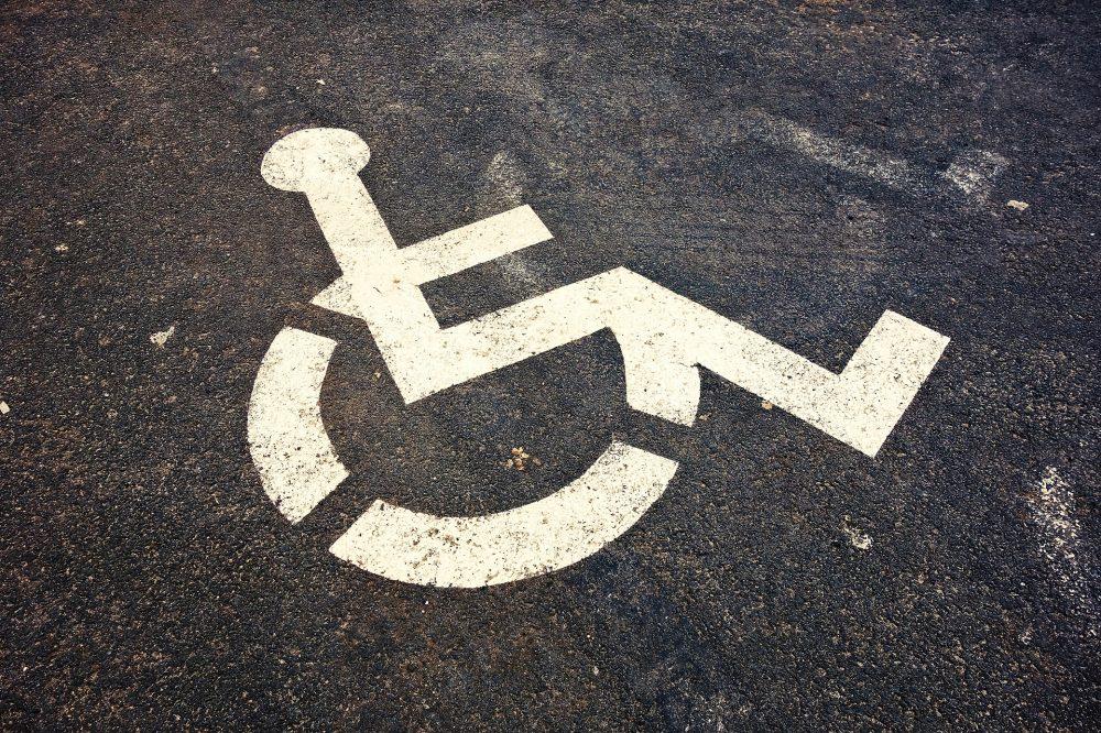 """Moção """"Mobilidade de cidadãos com mobilidade reduzida"""" do BE aprovada por unanimidade"""