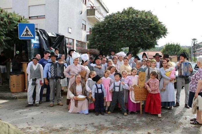 Rancho Flores do Oeste de A-dos-cunhados participa em Festival Internacional na Hungria