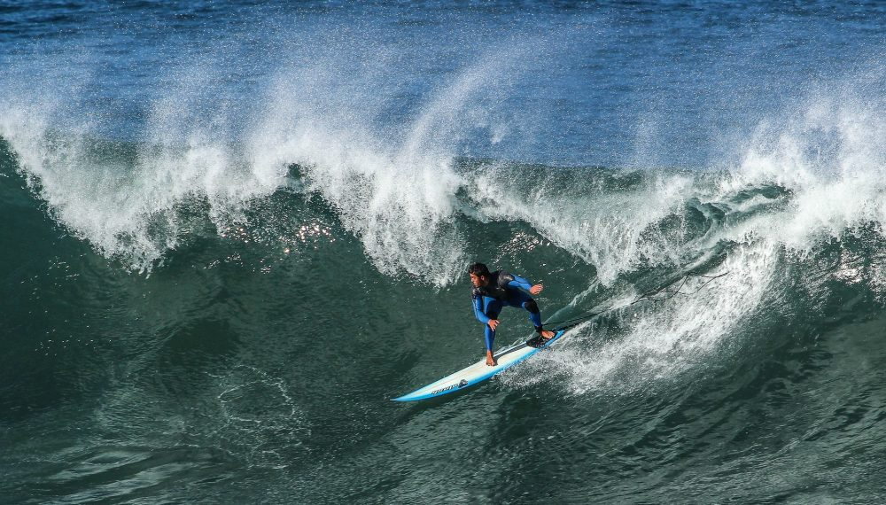 MAFRA: Surfista e nadador salvador salvos do mar na Ericeira