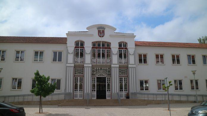 MP pede que autarca de Torres Vedras vá a julgamento por plágio na tese de doutoramento