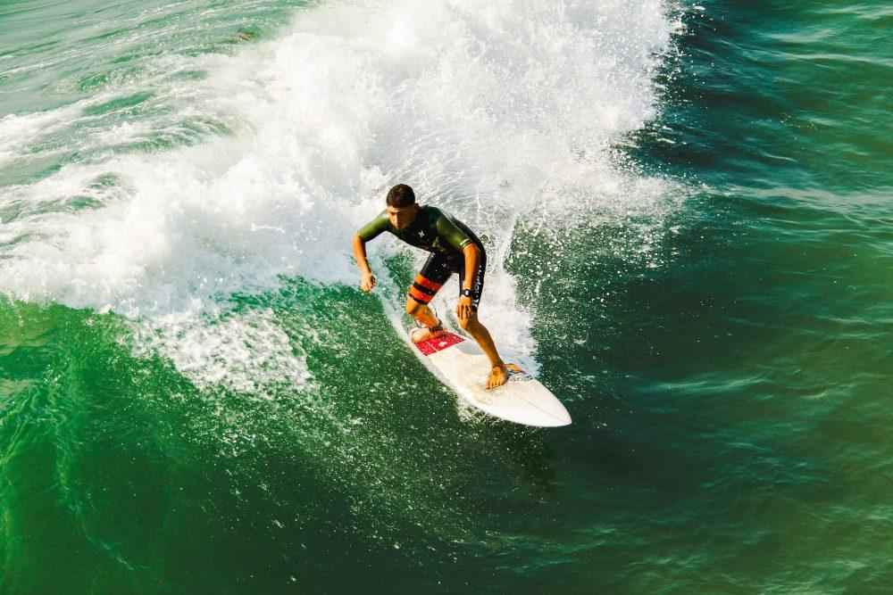 Luta pelos títulos mundiais de surf masculino e feminino ao rubro após Peniche