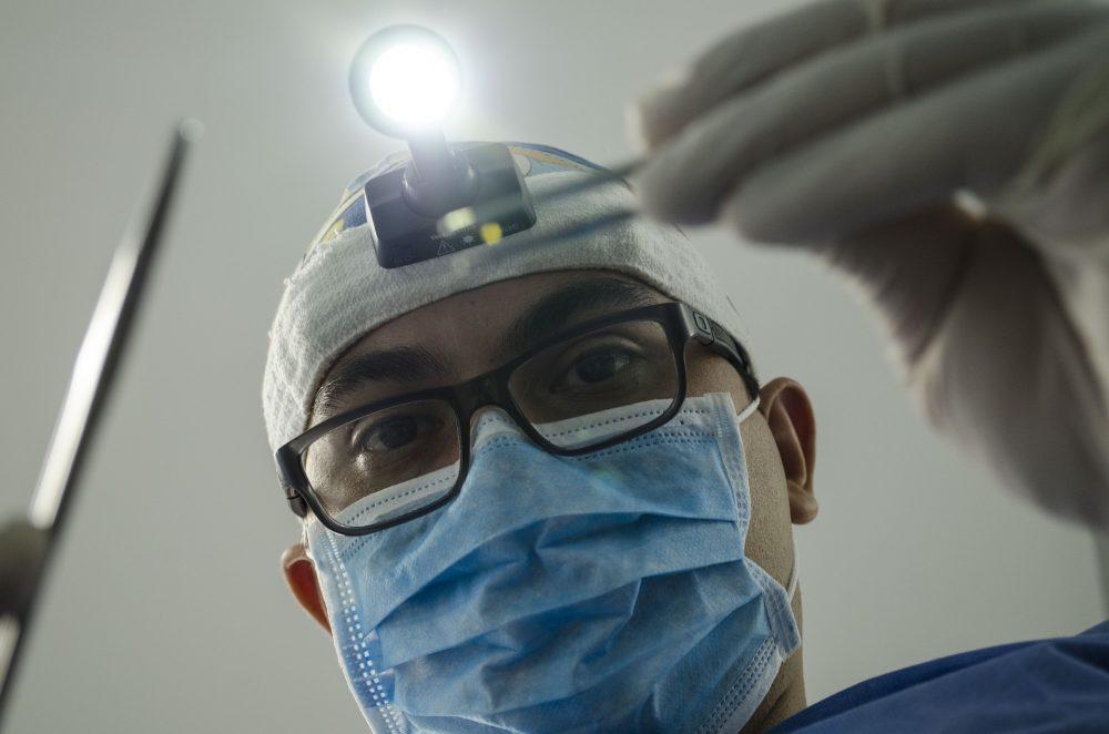 Homem acusado de ofensas à integridade física contra médico na urgência de Peniche
