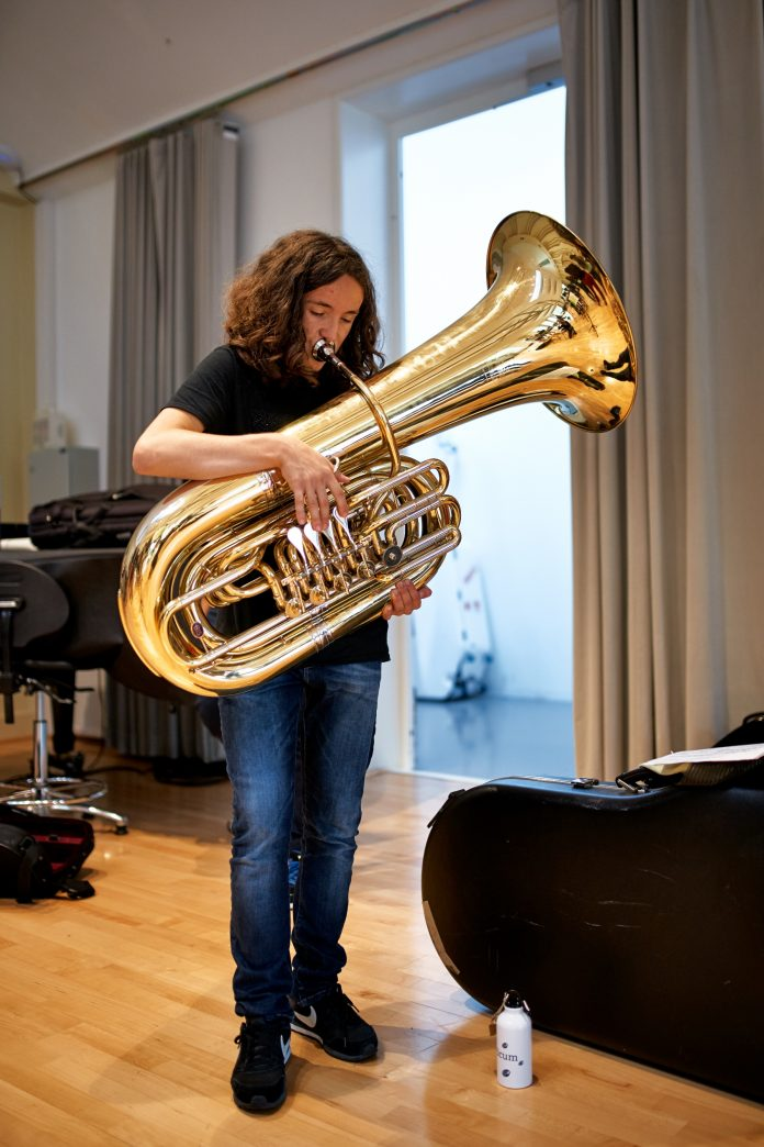 """Aluno do Orfeão de Leiria conquista 1º lugar do """"Grand Prize Virtuoso"""" em Bruxelas"""