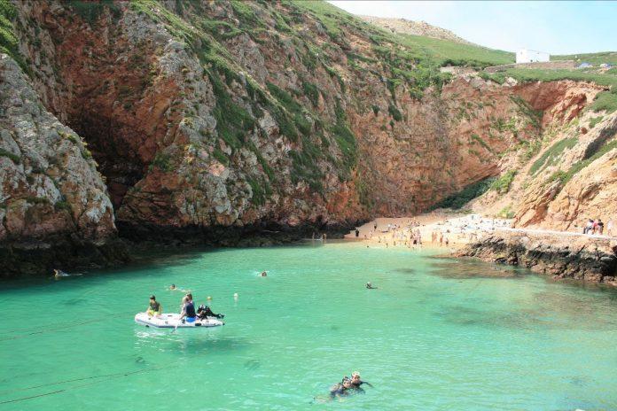 Mês de setembro voltou a ser positivo para a atividade turística no Centro de Portugal