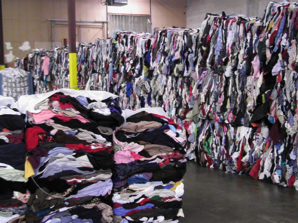 Lourinhã assina protocolo para implementar recolha seletiva de resíduos têxteis em 2020