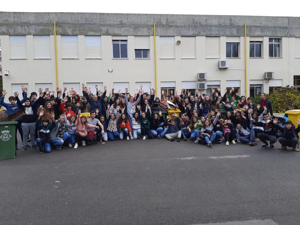 150 jovens arrecadaram quase 300 Kg de lixo em Torres Vedras