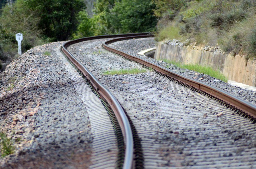 PCP questiona Governo sobre Modernização da Linha do Oeste