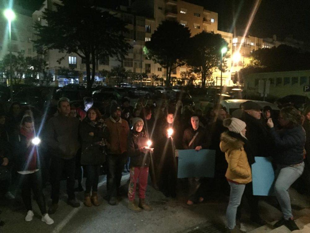 Cerca de 200 pessoas em vigília por manutenção da urgência pediátrica de Torres Vedras