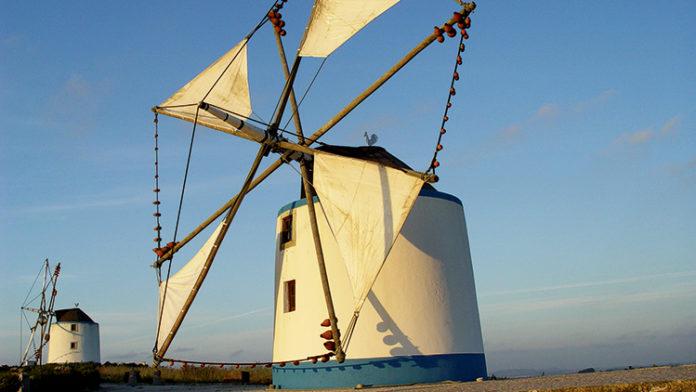 Iniciado processo para classificar moinhos de vento do Oeste património nacional