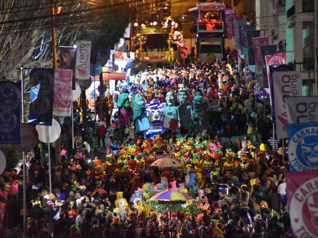 TORRES VEDRAS: Centro comercial com autocarros gratuitos para os corsos de Carnaval