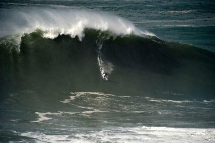 Surfista havaiano Kai Lenny em destaque nos prémios do Nazaré Challenge
