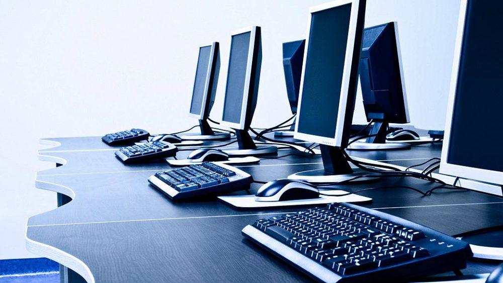 Covid-19: Freguesia em Peniche ajuda alunos com computadores e Internet gratuitos