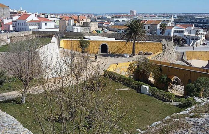 Peniche lança primeira obra da segunda fase de requalificação do Fosso das Muralhas