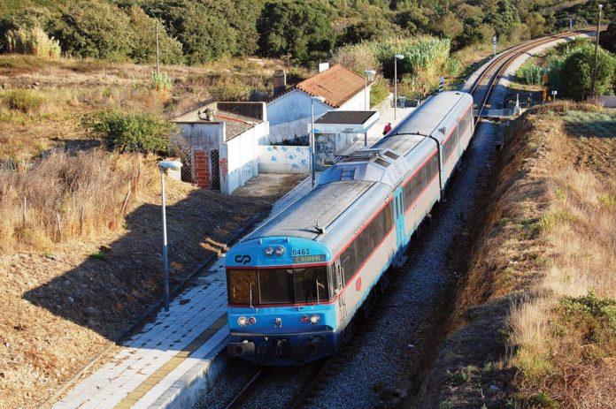 Adjudicada obra de requalificação da Linha do Oeste entre Sintra e Torres Vedras