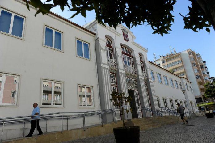 Câmara Municipal de Torres Vedras divulga mais medidas de combate ao surto de Covid-19