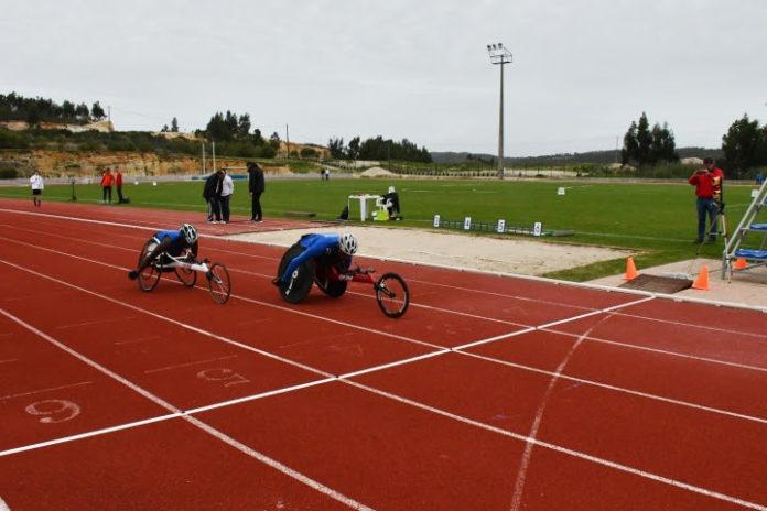 Centenas de atletas concentraram-se na Pista Municipal de Atletismo