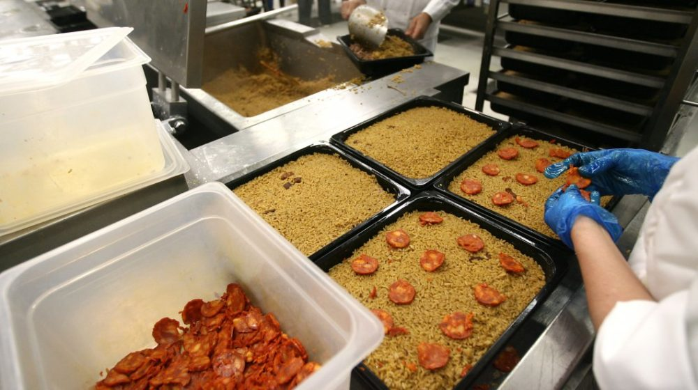 Covid-19: Lourinhã distribui mais de meia centena de refeições ao domicílio