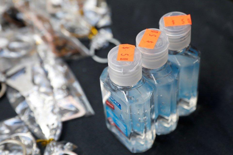 LOURINHÃ: Parceria permite produção de desinfetantes
