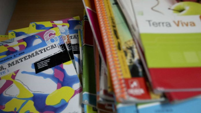 SOBRAL MONTE AGRAÇO: Município leva material educativo fotocopiado a alunos