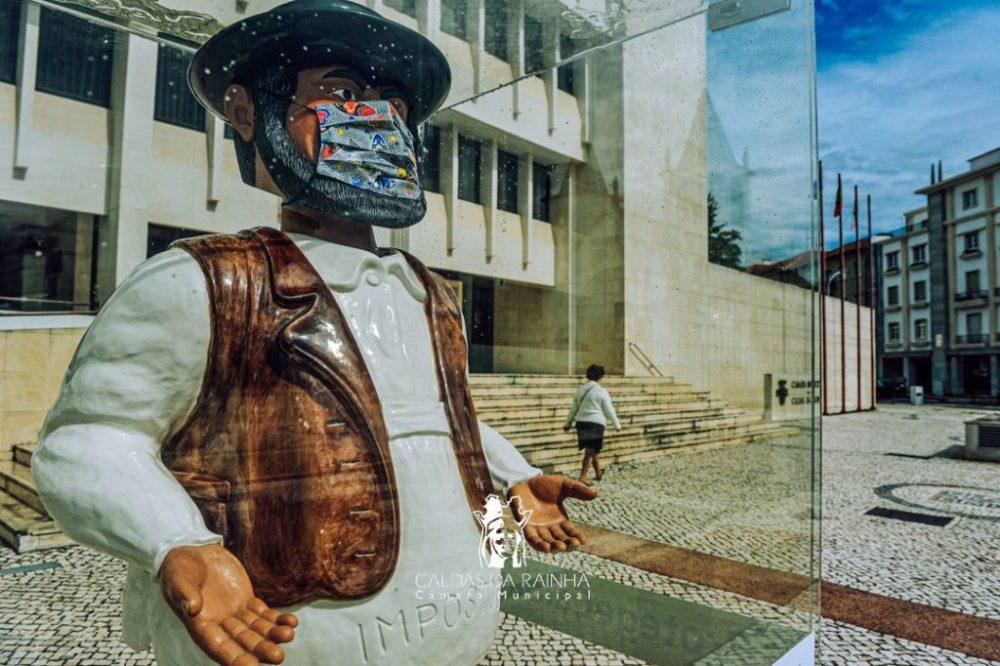 CALDAS DA RAINHA: Figuras de Bordalo de máscara para sensibilizar população