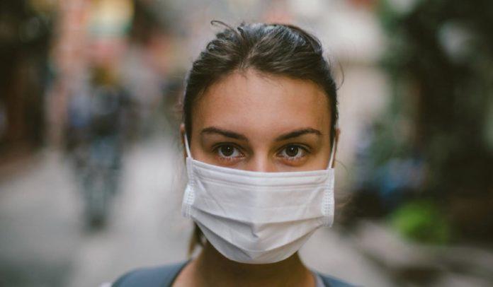 BOMBARRAL: Município distribui máscaras à população