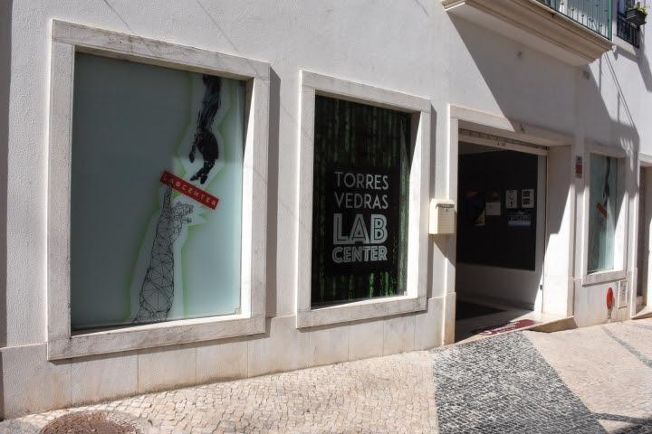 TORRES VEDRAS: Reabrem LabCenter, Centro de Apoio aos Migrantes e Canil Municipal