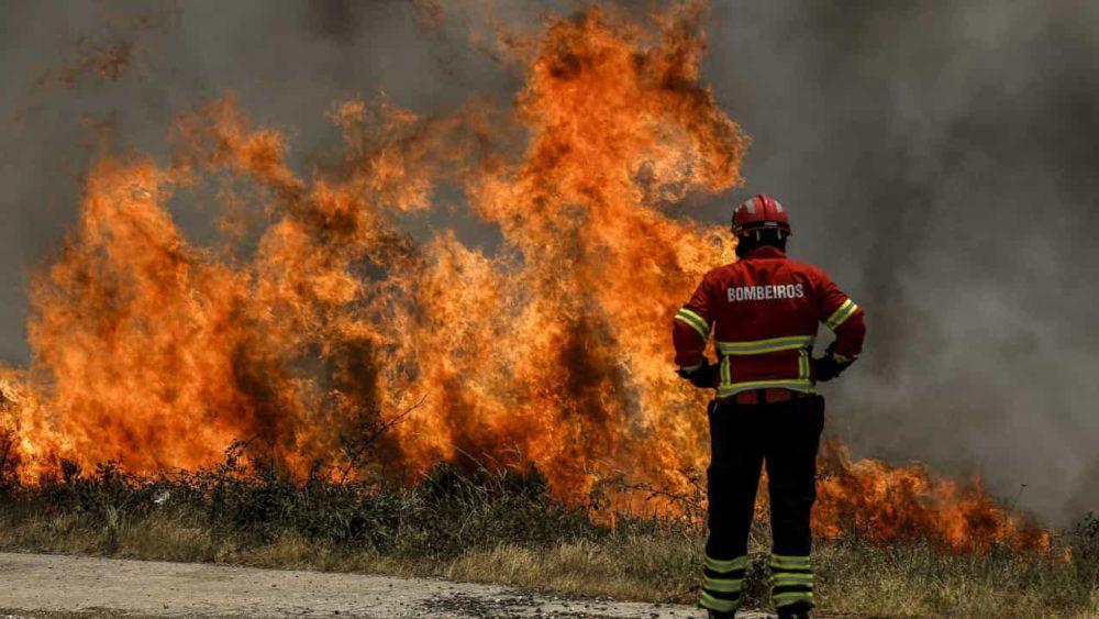 Bombeiro condenado a seis anos e seis meses por atear fogos em Torres Vedras