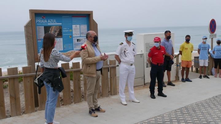 Época balnear em Santa Cruz arrancou sábado com rececionistas de praia