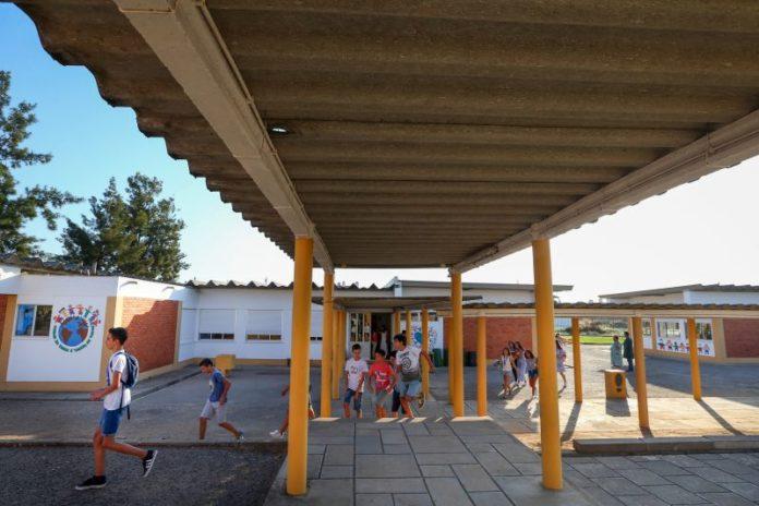 Publicada a lista das escolas onde amianto vai ser retirado