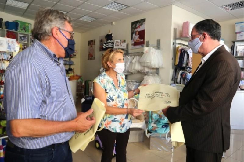 LOURINHÃ: Município lança campanha de apoio ao comércio local
