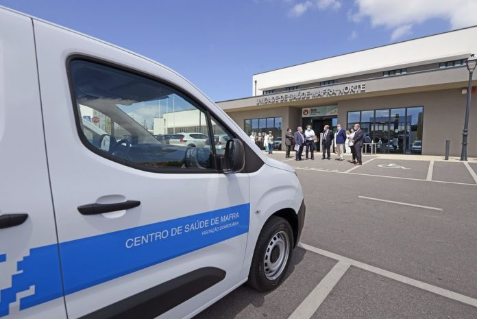MAFRA: Município cede veículos para cuidados primários de saúde