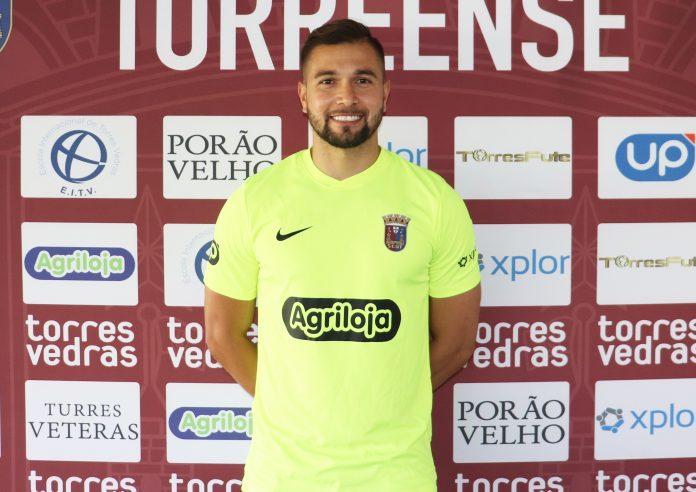 Marcelo Valverde renova contrato com o Torreense